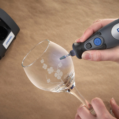 http://mdm.boschwebservices.com/files/8050_Etch_Wineglass-pd r118729v16.jpg
