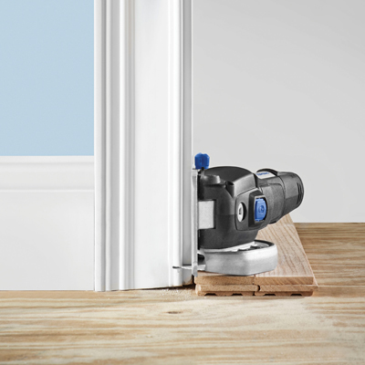 http://mdm.boschwebservices.com/files/Dremel US40 Door jamb, in use, cutting (EN) r115316v16.jpg