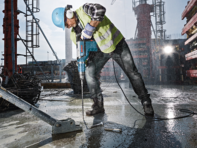 Model: 1-3/4 In. SDS-max® Rotary Hammer_RH745_Rainy Jobsite Concrete Ground